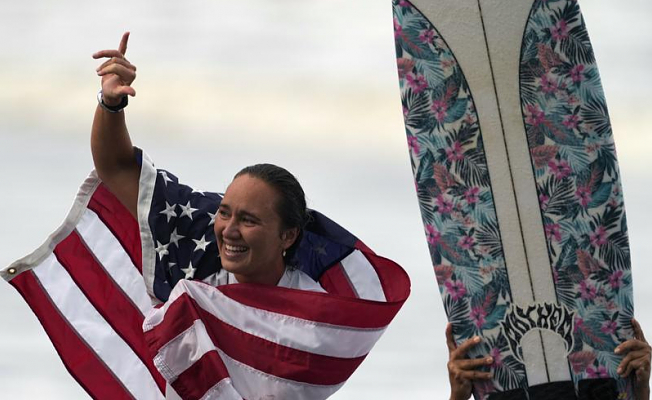 """Native Hawaiians """"reclaim"""" surfing with Moore's Olympic Gold"""
