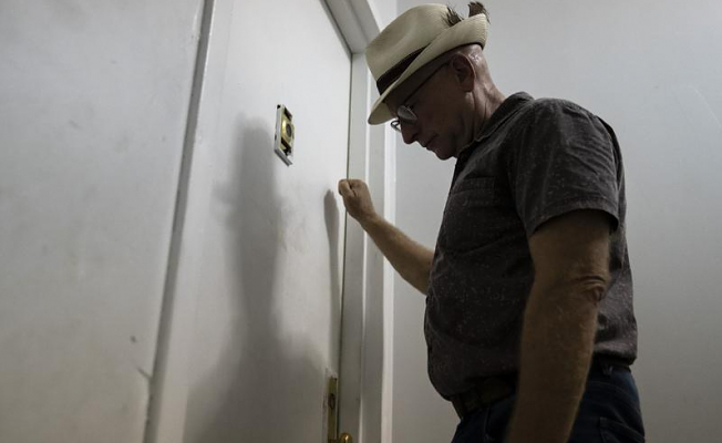 US appeals court rejects to lift CDC's eviction moratorium