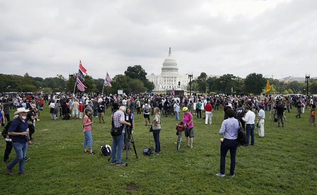 Police outnumber Jan.6 protesters in Washington, an edgy city