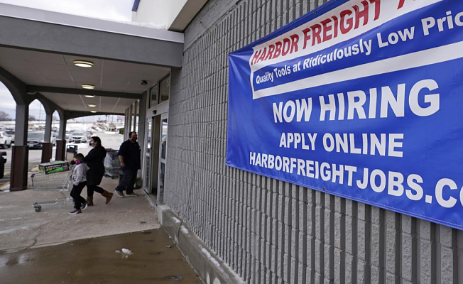 The delta holds steady and US employers add 194,000 jobs