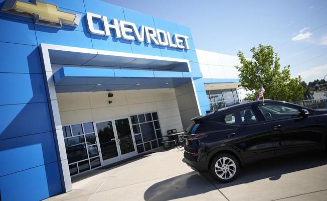 US car sales slump due to a shortage of computer chips