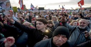 In prague, even a quarter of a million demonstrated to the prime minister and the administration against the