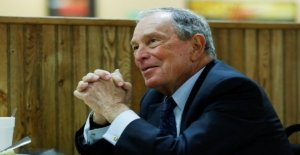 Media Mogul Bloomberg submit documents for presidential election