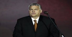 Orban must apologise to the people for survey
