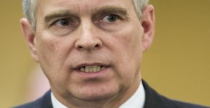 Prince Andrew lay down royale Offices