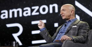 Amazon: Trump is to blame for the lost of billions of order