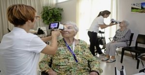 Eye Check-up at the nursing home