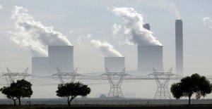 Global CO2 emissions continue to rise – but at a slower pace