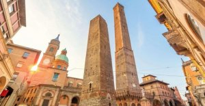 Bologna, homeless as tour guides: