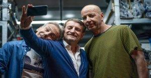 'I hate summer', the return of Aldo, Giovanni and Giacomo brings the sea in January