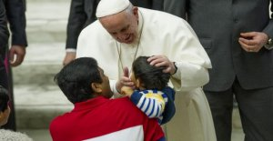 Pope Francis: it Is the small stories and tales, real, no fake