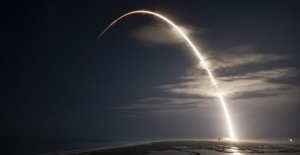 SpaceX launches 60-satellites to bring internet everywhere