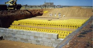 Storage of nuclear waste, concerns over the safety of the containers