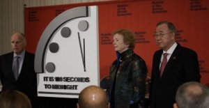 The Clock of the apocalypse, 100 seconds to the end of the world. Scientists: the guilt of nuclear weapons and climate change