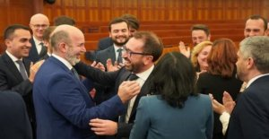 The government, Bonafede elected by acclamation as head of the delegation cinquestelle