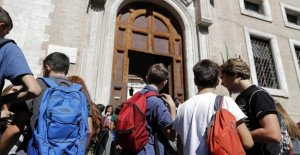 From one thousand to 255 euro: the bonus of merit for graduates which has never been so low