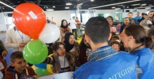 Hugs, tears and balloons: at the airport: arriving other 69 migrants with the humanitarian corridors
