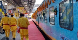 India, a place reserved for the god Shiva at the inauguration of the train Varanasi-Indore