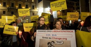 Sit-in at the Pantheon in Rome to ask for the release of Patrick Zaky