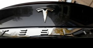 Tesla and Apple on the bench of the accused for a car accident