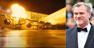 Christopher Nolan filmed the crash of a real Boeing 747 rather than use special effects