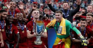 Liverpool-captain: Strange to lift the trophy without the fans