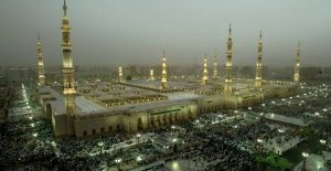 Saudi Arabia reopens one of islam's holiest places