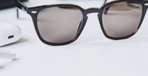Preventive Shades: Layoners Bring Tones to Shield your Eyes