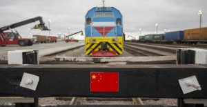 40 million masks arrive from China by train