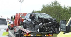 Cars in collision on motorway E45