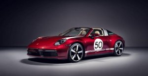 Porsche 911 Targa4S Legacy Design, the past recomposed