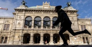The Vienna state Opera reopens, for 100 preferred representation