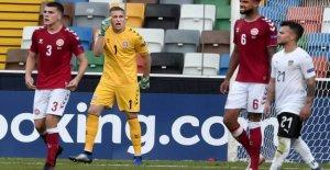 Danish goalkeeper joins a club