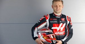 Magnussen finish last in the final training at Silverstone