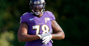 Baltimore Ravens offensive tackle Orlando Brown exploring Commerce Chance, source says