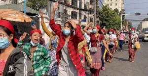 Myanmar junta blocks Net access as coup protests Extend