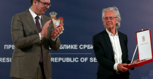 Serbia gives award to 2019 Nobel Literature winner Handke