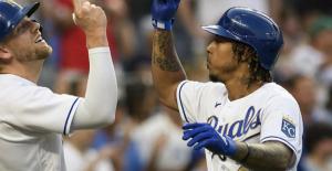 Mondesi 464-foot HR Assists Royals beat Boston 5-3, stop skid
