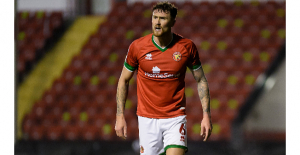 Resources: Plymouth Argyle agree to Signal Scarr out of Walsall