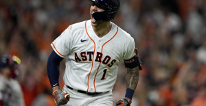 Correa's time - Astros win ALCS opener with late HR