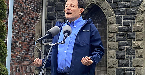Kristof, ex-NYT columnist, announces he will run for Oregon governor