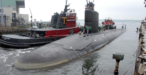 Navy nuclear engineer charged by trying to share secrets