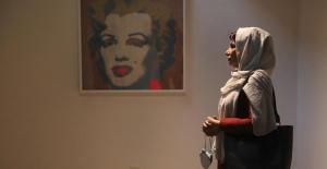 Warhol in Tehran: Iranians flock to American pop art exhibit