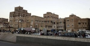 Yemen, attack on houthi in the mosque during the prayer: at least 83 dead