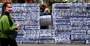 Coronavisur, robbery of toilet paper at gunpoint in Hong Kong