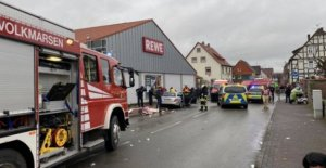 Germany, drive through the crowd at the Carnival and more than 30 wounded, including children. Arrested driver