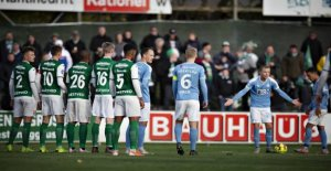 Footballers reviewer teammate of violence