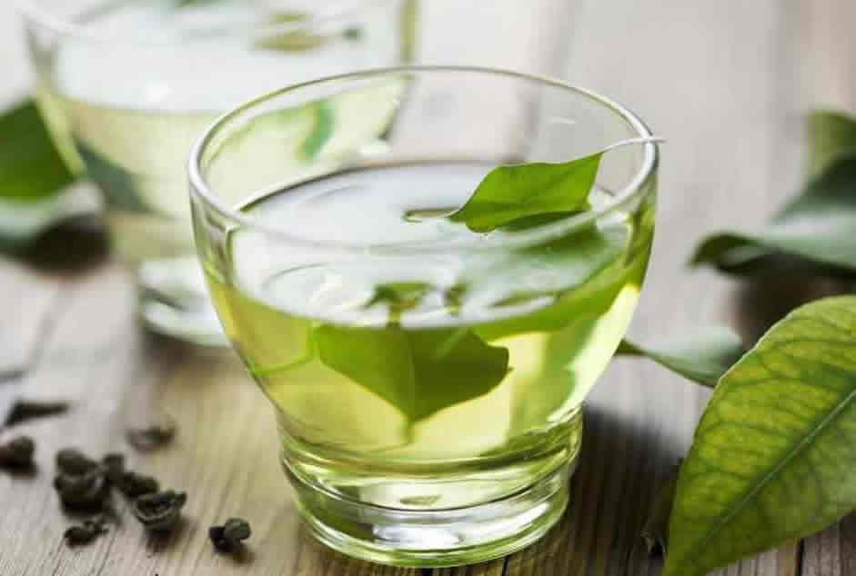 Skincare-Use-THIS-DIY-Green-Tea-Toner-To-Keep-Your-Skin-Hydrated-This-Winter-1.jpg
